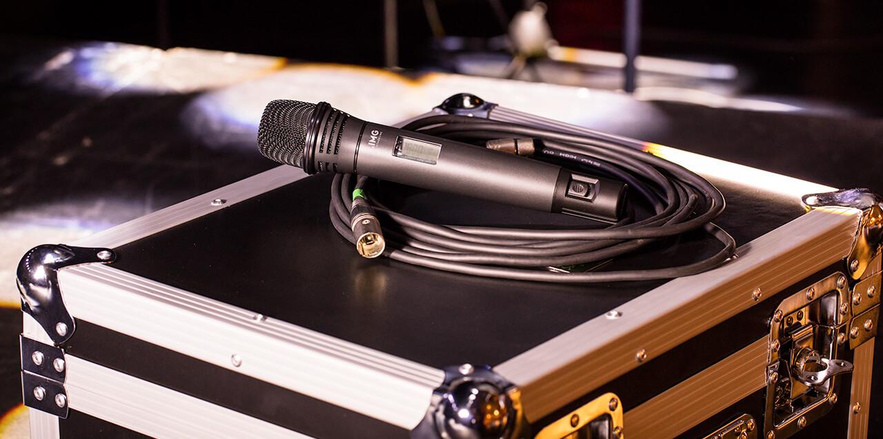 Micrófonos y Auriculares